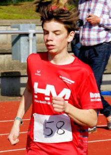 Maximilian Hartmann überzeugte als Zweiter über 800m und verbesserte dabei seine Bestzeit um fast zehn Sekunden. Foto: nh