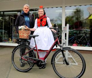 Als flotter Hauptpreis lockt beim diesjährigen Radspaß im Rotkäppchenland ein neues E-Bike. Foto: Tourist-Info Rotkäppchenland