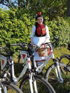 Das Rotkäppchen lädt ein: Dabei sein, Stempel sammeln und ein E-Bike gewinnen! Foto: nh