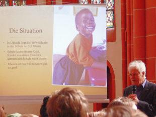Reinhard Berle informierte über die Situation der Kinder in Afrika. Foto: Dittmer