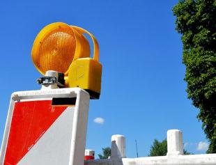 Die Vollsperrung der Ortsdurchfahrt wird noch andauern. Symbolfoto: Pixabay