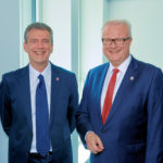 Hessens Finanzminister Dr. Thomas Schäfer (re.) und sein Finanzstaatssekretär Worms. Foto: © Frank Widmann | HMdF