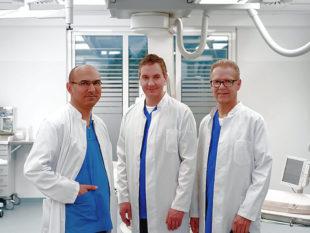 Die Experten des HGZ Nordhessen (v.li.): Dr. med. Elvan Akin, Dr. med. Matthias Schulze und Dr. med Peter Dahl freuen sich auf einen spannenden Abend. Foto: Asklepios