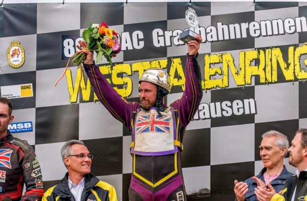 Sieger Paul Cooper (GB, MSC Melsungen) beim 80. Int. ADAC-Grasbahnrennen.  Foto: Rudi Hagen