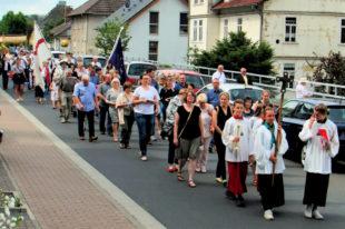 Zur Fronleichnamsoprozession hatte die Katholische Gemeinde Melsungens eingeladen. Foto: hn