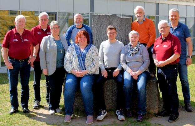 Das Bild zeigt (v.li.): Ulrich Manthei, Wilfried Koch, Barbara Möller, Jörg-Thomas Görl, Katja Köhler-Nachtnebel, Tobias Stang, Maria Nohl, Wilfried Sommer, Günter Brandt und Markus Reckziegel. Foto: nh