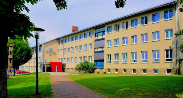 Hier geht es zum Sprechtag: Kreisverwaltung Schwalm-Eder in der Homberger Parkstraße 6.  Foto: Schmidtkunz