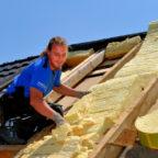 Dachwohnungen könnten helfen die Wohnungsnot zu lindern. Dachdecker helfen Energiesparen, und Wohnraum zu erschließen. Foto: ZVDH