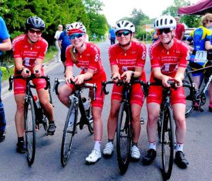 Das erfolgreiche Damenteam beim Einzelzeitfahren in Stadtallendorf (v.l.): Sarah Trapp, Lea Klawe, Christina Mittelbach und Sophie Jahnecke. Foto: nh