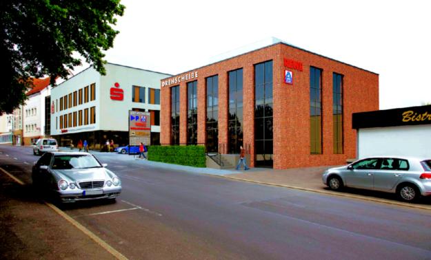 Planung für das Einzelhandelszentrum »Drehscheibe«, Kasseler Straße. Repro: Schoofs Immobilien GmbH