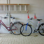 Melsungen. Die Polizei sucht die Eigentümer zweier älterer Fahrräder, welche am Sonntag, den 16.06.2019 in die Fulda geworfen worden waren. Am Sonntag gg. 14:00 Uhr machten mehrere Anrufer die Polzei darauf aufmerksam.
