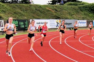 Lynn Olson (3.v.li.) kommt immer besser in Fahrt und holt sich mit der Jahresbestzeit von 62,67 Sekunden den 3. Platz. Foto: nh