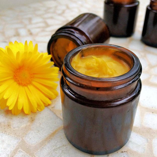 Die Ringelblume oder Calendula wird gern als Hautcreme angerührt. Foto: T. Caesar | Pixabay