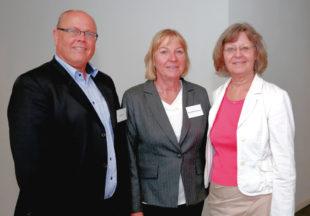 Der IHK-Ausschuss für Infrastruktur, Verkehr & Logistik (v.li.): Klaus Zindel, Ellen Kördel-Heinemann, Dr. Heidemarie Krüger. Foto: nh