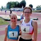 Zweimal Grund zum Freuen: Annika Koil (li.) schaffte die Quali für die DLV-Seniorenmeisterschaften und Luise Zieba stellte eine persönliche Bestzeit über 5000 Meter auf. Foto: nh