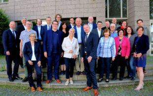 Die anwesenden Mitglieder des IHK-Handelsausschusses bei der konstituierenden Sitzung. Foto: Jörg Lantelme   IHK