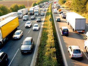 Ab Montag ist auf der A7 zwischen Guxhagen und Kassel mit Verkehrsbehinderungen gerechnet werden. Gebaut wird bis November. Symbolfoto: Monika P | Pixabay