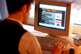 Gegen rechtsterroristische Hetze im Netz setzt Innenminister Peter Beuth eine neue H3C-Taskforce ein. Foto: polizei-beratung.de