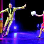 Mit ihrem Varieté wollen »Die Farellos« das Publikum in ihren Bann ziehen. Foto: nh