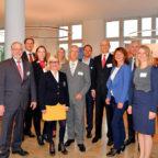 Wollen Brücken in die Welt bauen: Die Sponsoren, Partner, Referenten und Gastgeber des Nordhessischen Außenwirtschaftstags 2018. Foto: nh