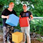 Haben ihrer beruflichen Qualifikation einen weiteren Baustein draufgesetzt: Sandra Dwojatzki aus Merzhausen und Marek Krug aus Marburg, die die berufsbegleitende, staatlich anerkannte Ausbildung in Heilpädagogik an der Hephata-Akademie für soziale Berufe absolvierten. Foto: nh