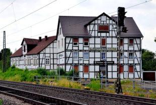 Gasthaus zum Bahnhof in Gensungen. Foto: Schmidtkunz