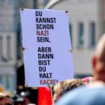Zusammen mit einem Bündnis von 75 Vereinen und Organisationen kamen rund 15.000 Menschen nach Kassel, um gegen einen Aufmarsch von Nazis zu demonstrieren. Foto: Andreas Gangl | Fototeam Ver.di Hessen