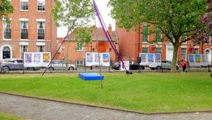 Kunstwerke am King Square in der Ausstellung Changing Places. Foto: Andrè Grabczynski