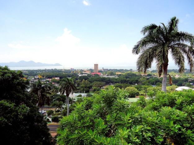 Das idyllische Bild aus der Hauptstadt Managua, wo der Turm der Bank of America Wohlstand verspricht, trügt gewaltig. Tatsächlich befindet sich Nicaragua schon wieder im Bürgerkrieg . Foto: Cuixin Arguello | Pixabay