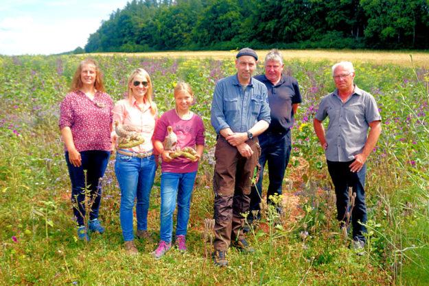 Andrea Imhäuser, Wiebke Knell, Knells Nichte Ida, Matthias Michel, Hermann Häusling; Michael Hetzler (v.li.). Foto: nh