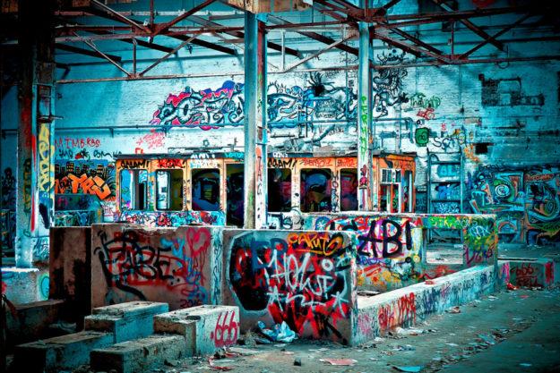 Selbst dort, wo die Industrie ihre wirtschaftlichen Interessen längst aufgegeben hat, kann Kunst wieder zu einer Kreativwirtschaft führen. Foto: Michael Gaida | Pixabay