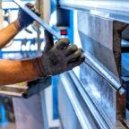 Unter den geförderten ländlichen Kleinunternehmen sind auch Metall verarbeitende Betriebe. Foto: Michal Jarmoluk | Pixabay