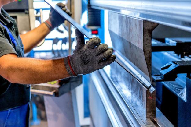 Unter den geförderten ländlichen Kleinunternehmen sind auch Metall verarbeitende Betriebe. Foto: Michal Jarmoluk   Pixabay