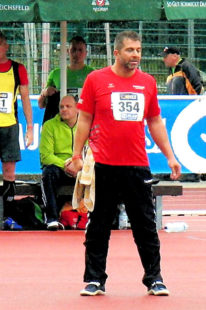 Norbert Weinreich, der im Diskuswerfen trotz widriger Bedinungen mit 41,74 m zu gefallen wusste. Foto: nh