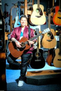 Die Chart-Überfliegerin Kerstin Ott ist bekannt aus Funk und Fernsehen. Sie wird als Top-Act mit ihren Hits »Die immer lacht«, »Scheissmelodie« und »Regenbogenfarben« am Samstag, 7. September, bei freiem Eintritt zu Gast in Borken sein. Foto: no