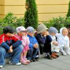 Nach der Schule mit der Clique abhängen ist nicht mehr! Die FDP fordert eine geregelte, flächendeckende Nachmittagsbetreuung. Foto: PublicDomainPictures | Pixabay