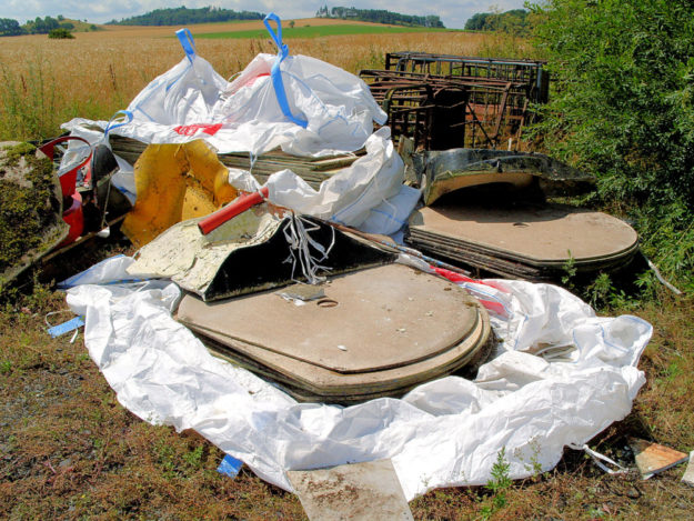 Teile der Anlage steckten in weißen Big Packs. Foto: Polizei