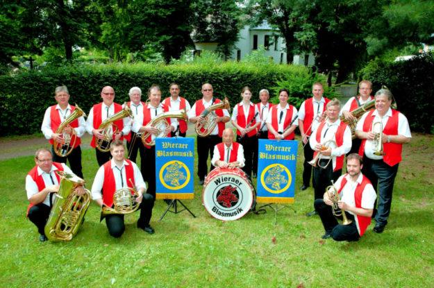 Die »Wierarer Blasmusik« eröffnet den Weinfestsonntag mit volkstümlicher Blasmusik. Foto: nh