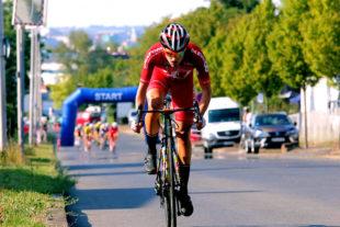 Max Feger reißt aus und distanziert das Feld, Foto: Kristinas Radsportfotos