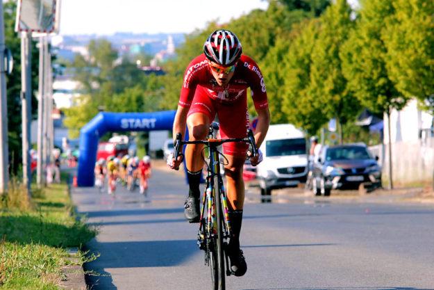 Max Feger reißt aus und distanziert das Feld. Foto: Kristinas Radsportfotos