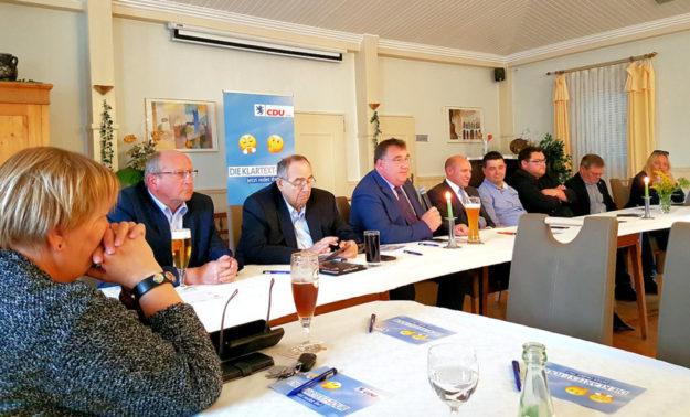 Viele der vorgetragenen Wünsche, Sorgen und Anregungen ihrer Mitglieder nimmt die heimische Unionsspitze jetzt mit nach Wiesbaden.