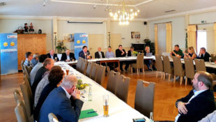 Auf der Klartext-Tour der CDU Schwalm-Eder kamen jüngst ihre Mitglieder zu den unterschiedlichsten Tehmen zu Wort. Foto: CDU