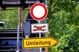 Für Straßenbauarbeiten ist die K 135 ab Einmündung B 83 kurzzeitig gesperrt. Foto: Gerald Schmidtkunz