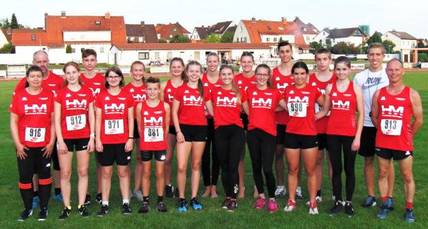 Ein erfolgreiches und zahlenmäßig starkes Team der MT Melsungen beim Abendsportfest in Bebra. Foto: nh