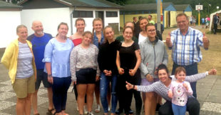 Landrat Winfried Becker mit einer polnischen Gruppe aus dem Partnerlandkreis Pila. Foto: Eigenbetriebe Jugend & Freizeit