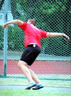 Luis André holte sich im Diskuswerfen mit 49,93 m die Pole-Position der M14 in Deutschland zurück. Foto: nh
