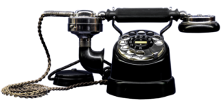 Altes Telefon mit Schnur, Wählscheibe, Gabel und Sprechmuschel. Foto. Momentmal | Pixabay