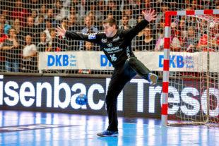 Die MT Melsungen (im Bild: Torhüter Simic) verfügt im Bundesliga-Handball über ein neues Co-Sponsorship von Eisenbach-Tresore. Foto: Alibek Käsler