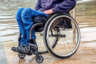 Wer am Fahrdienst für MS-Kranke teilnimmt, muss auch über den Transport von Klienten im Rollstuhl bescheid wissen. Foto. Steve Buissinne   Pixabay