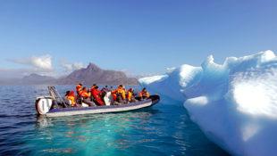 Tourismus zum abschmelzenden Polareis. Bis 2050 werden sich nicht die Fotostrecken häufen, sondern die Wetterkatastrophen weltweit. Foto: Aline Dassel | Pixabay
